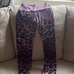 Onzie Pink leopard leggings